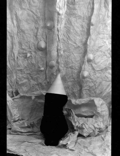 1987 Eugeniusz Józefowski, Aranżacje z modelką, fotografia na negatywach 10 x 15 cm 01