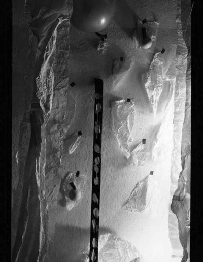 1988 Eugeniusz Józefowski, Aranżacje z listewkami, Instalacje osobiste, fotografia na negatywach 10 x 15 cm 04