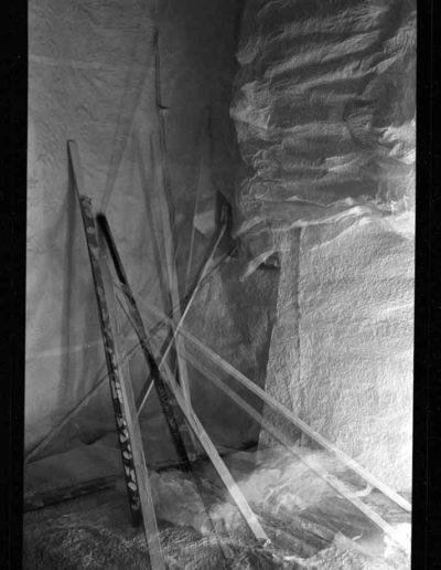 1988 Eugeniusz Józefowski, Aranżacje z listewkami, Instalacje osobiste, fotografia na negatywach 10 x 15 cm 08