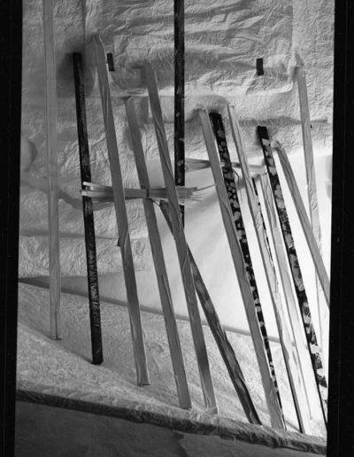 1988 Eugeniusz Józefowski, Aranżacje z listewkami, Instalacje osobiste, fotografia na negatywach 10 x 15 cm 12