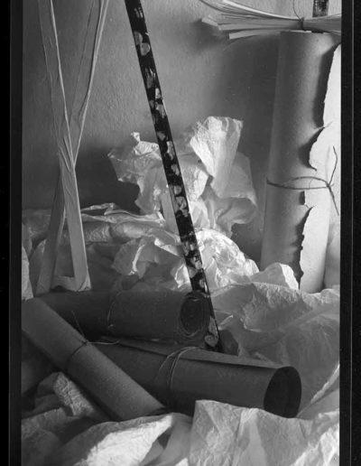 1988 Eugeniusz Józefowski, Aranżacje z listewkami, Instalacje osobiste, fotografia na negatywach 10 x 15 cm 15