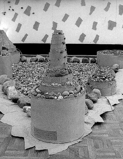 1992 Eugeniusz Józefowski, Instalacje książkowe, Galeria Sztuki Współczesnej w Opolu 02