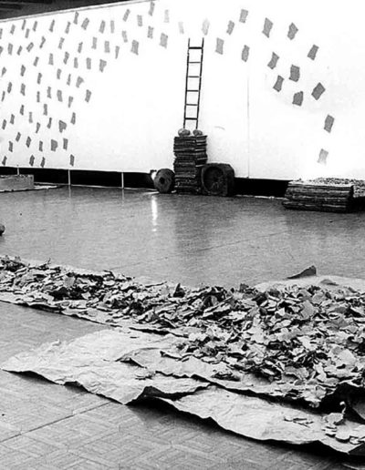 1992 Eugeniusz Józefowski, Instalacje książkowe, Galeria Sztuki Współczesnej w Opolu 06