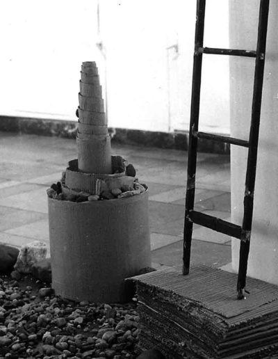 1992 Eugeniusz Józefowski, Obiekty książkowe - instalacja, Mały Salon BWA Wrocław 01