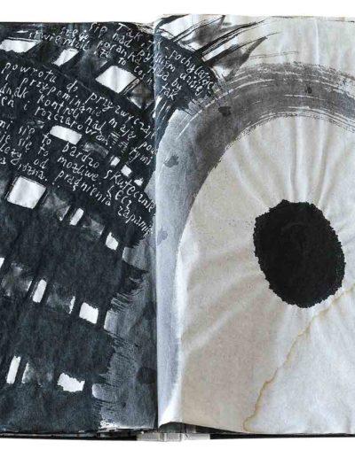 1998 1999 Eugeniusz Józefowski, Niewątpliwie krzepiące fakty, książka harmonijkowa, tusz na papierze ryżowym, format 36 x 36 x 1,5 cm_4