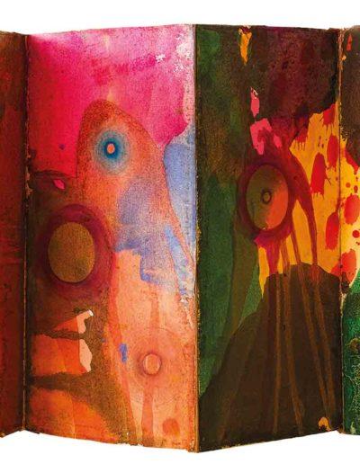 1998, 1999 Zabawy z kulą przy cichej obecności zaklęć i próśb, książka artystyczna harmonijkowa, akwarele na papierze czerpanym, 24 × 47 × 1 cm