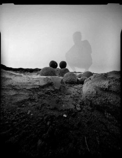 1998 Eugeniusz Józefowski, Dwie kule w okolicach Wenecji, pinhol, negaryw 4 x 5 cala