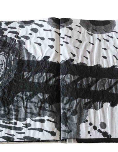 1999 Eugeniusz Józefowski, Energie interaktywne, książka harmonijkowa na papierze ryżowym, 35 stron format 28 x 36,5 x 1,5 cm 16