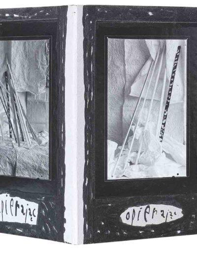 1999 Eugeniusz Józefowski, Kilka bądź kilkanaście, książka harmonijkowa - kolaż z fotografii naklejonych na tekturę z komentarzami, format 16 x 24 x 1,5 cm 03
