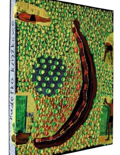 1999 Rozmyślając o białych drzwiach, Pudełko książkowe kolaże z fotografii i akryl na płycie pilśniowej oklejonej płótnem introligatorskim, 40 × 50 × 5cm