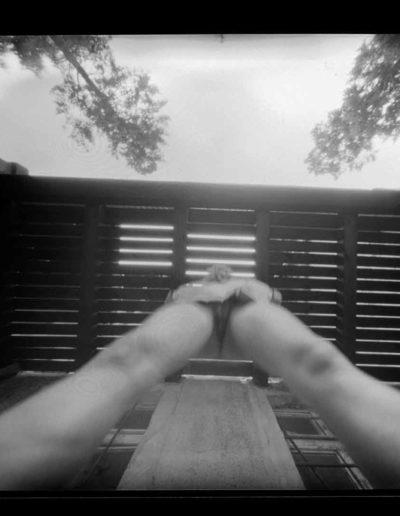 2003 Eugeniusz Józefowski, Akt pod balkonem, pinhol, negatyw 4 x 5 cala 2